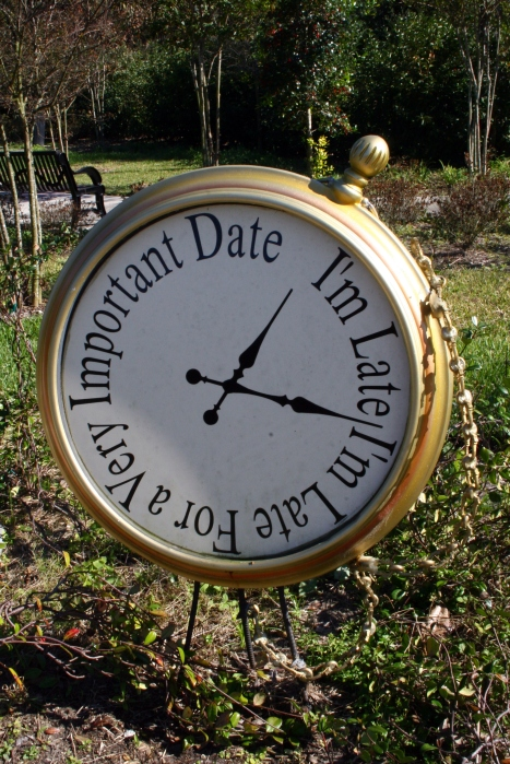Alice_in_Wonderland_Clock_by_Della_Stock cropped