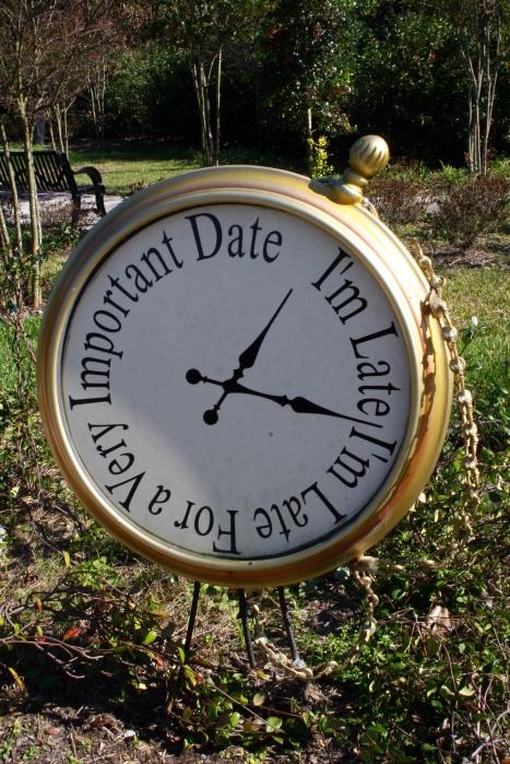 Alice_in_Wonderland_Clock_by_Della_Stock cropped